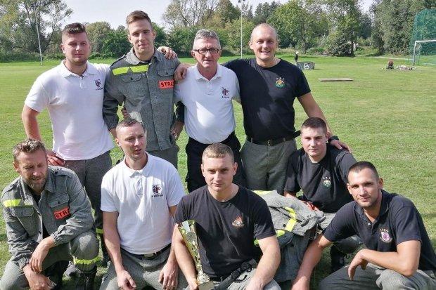 Strażacy z Nowogrodźca najlepsi w gminnych zawodach