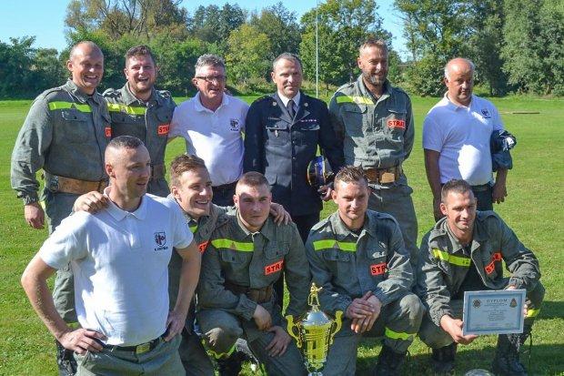 Strażacy z Nowogrodźca najlepsi w powiecie