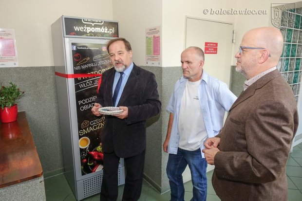 Lodówka społeczna stanęła w Bolesławcu