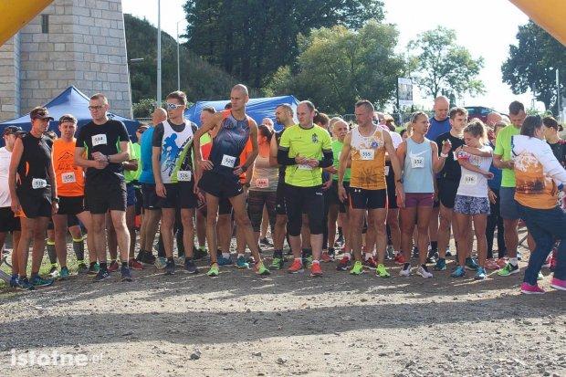 Za nami Jesienny Bieg Między Mostami i mistrzostwa w jeździe na hulajnodze
