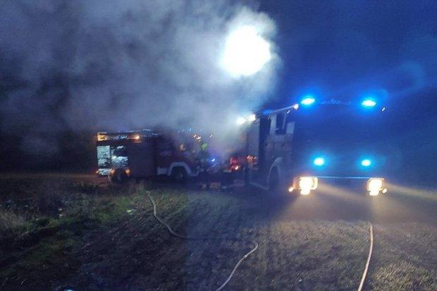 Pożar w pobliżu drogi 94