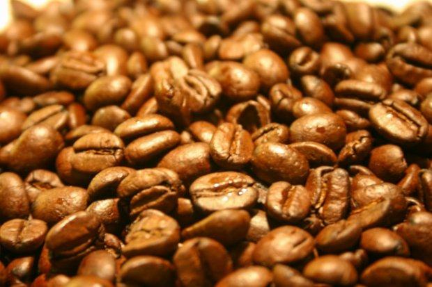 Policyjny pościg za złodziejami, którzy ukradli… 20 opakowań kawy