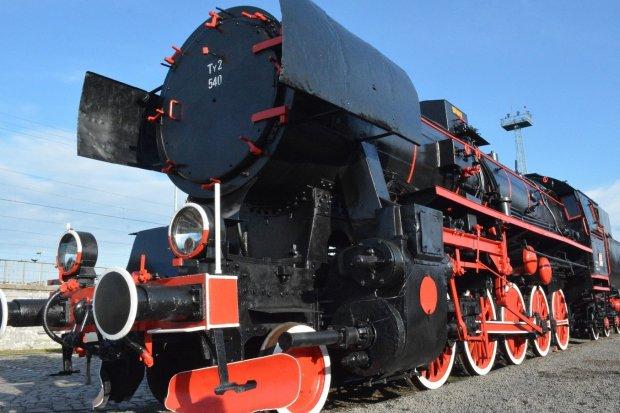 Stoi w Legnicy zabytkowa lokomotywa wojenna. I to dla wszystkich