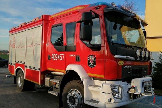 Strażacy z Warty z nowym wozem ratowniczo-gaśniczym