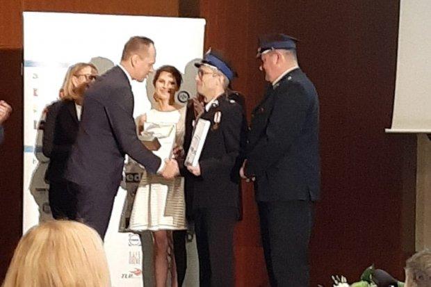 Strażacy z OSP Czerna nagrodzeni za akcję Korytarz życia – włącz myślenie