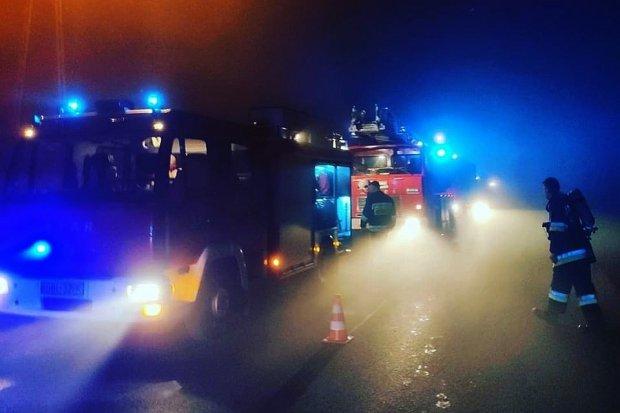 Pożar kotłowni w Milikowie. Dwie osoby podtruły się dymem