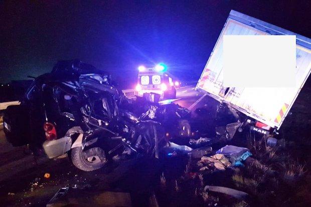 Śmiertelny wypadek na A4. 69-latek i pies zginęli na miejscu, kierowca tira ranny