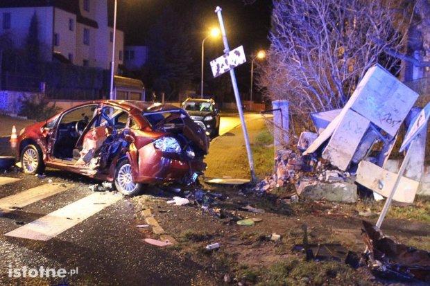 Śmiertelny wypadek na skrzyżowaniu Zwycięstwa i al. WP. 26-latek nie żyje