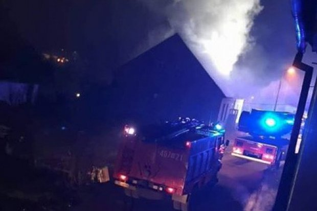Pożar domu w Gromadce. Akcja trwała 8,5 godziny