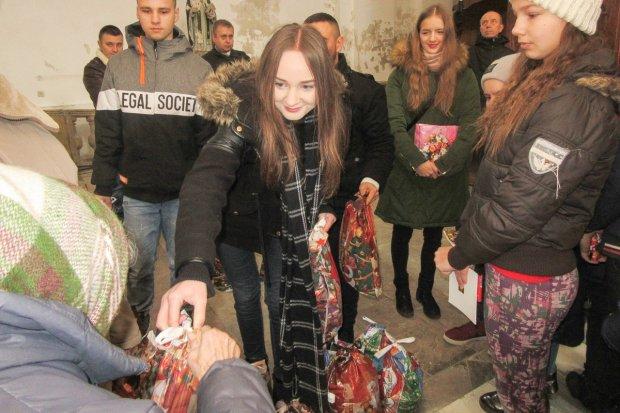 Bolesławianie zawieźli m.in. paczki świąteczne Polakom na Ukrainie