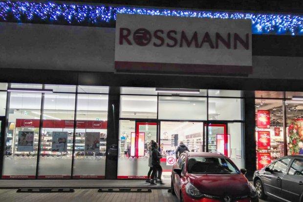 Zuchwała kradzież w Rossmannie, jeden ze sprawców zatrzymany
