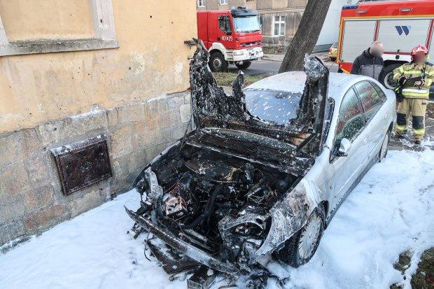 Pożar auta przy ulicy Polnej