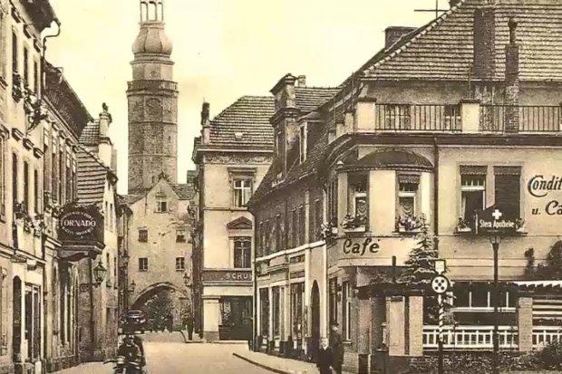 Spacer po przedwojennym Bolesławcu