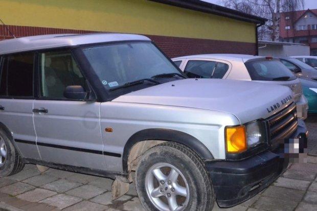 Odzyskali auto skradzione w innym powiecie. 40-letni paser zatrzymany