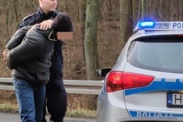 Razem ukradli auto warte 30 tys. zł. Zostali zatrzymani