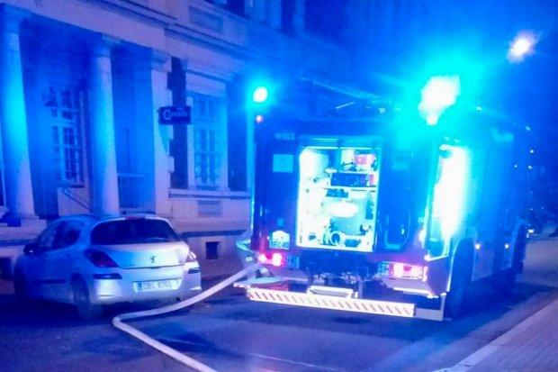 Pożar w kamienicy przy ulicy Mickiewicza, ewakuowano ludzi