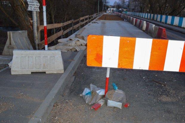 Trwa remont mostu przy Mostowej