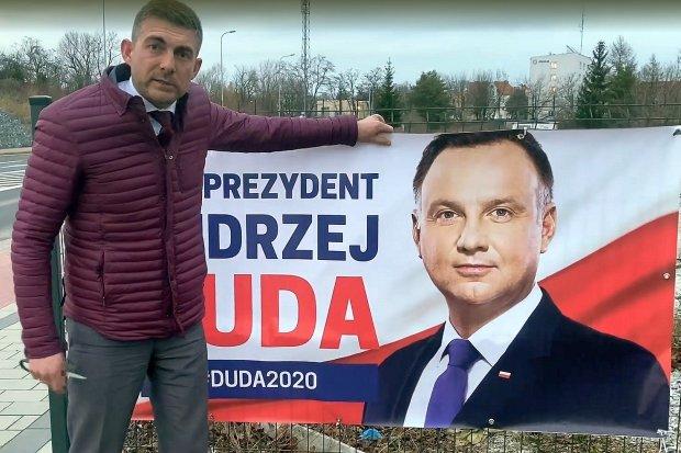 Mieszkaniec Legnicy ściągnął baner Andrzeja Dudy i chce zawiadomić PKW
