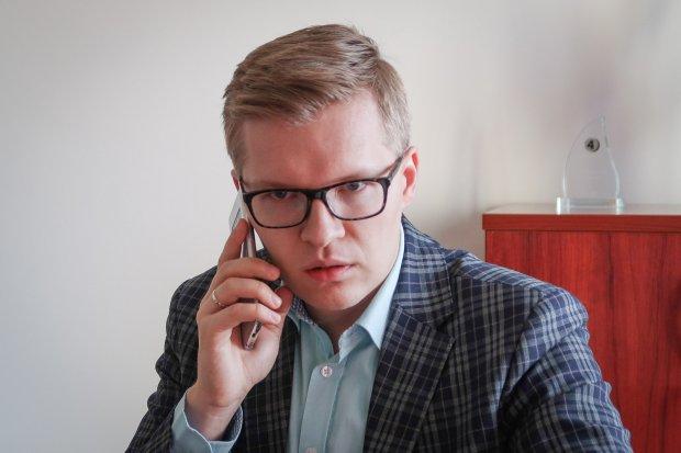 Kamil Barczyk nie ma koronawirusa, drugi wynik negatywny! Dyrektor wraca do normalnej pracy