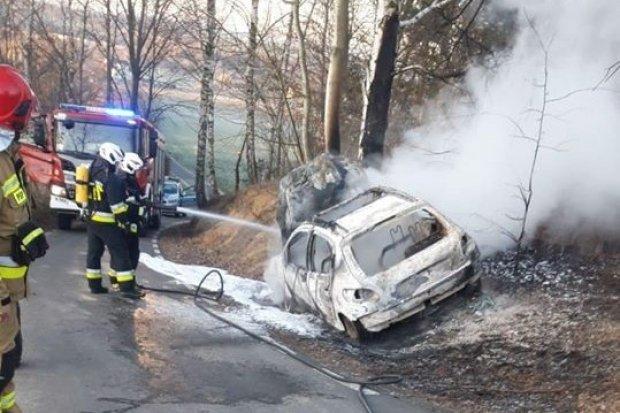 Kolejny pożar samochodu w Iwinach