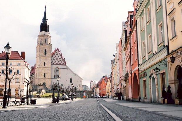 Opustoszały Bolesławiec dzień po ogłoszeniu stanu epidemii