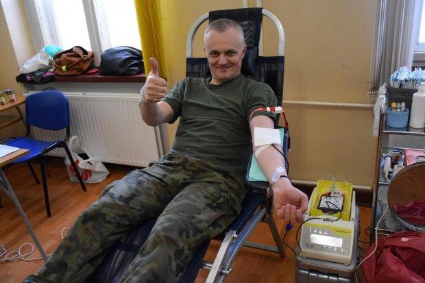Artylerzyści oddali krew