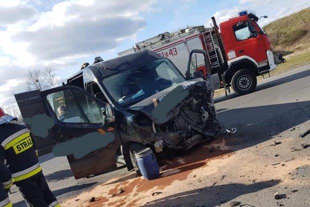 Wypadek na strefie koło Szczytnicy. Poszkodowaną kobietę zabrał śmigłowiec LPR-u