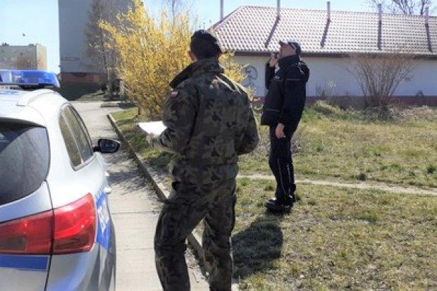 Weekendowe kontrole: 100 osób zlekceważyło zakaz wychodzenia z domu