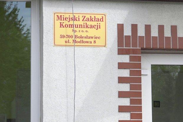 Kierowcy MZK kursują do Wrocławia. Wożą próbki do badań na koronawirusa