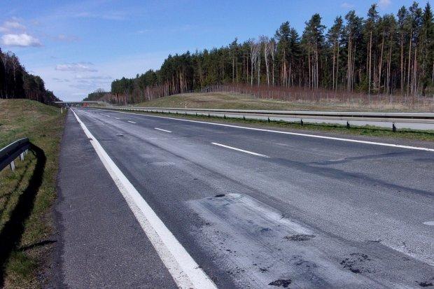 """Ruszyła przebudowa DK18. """"Droga wstydu"""" stanie się autostradą"""