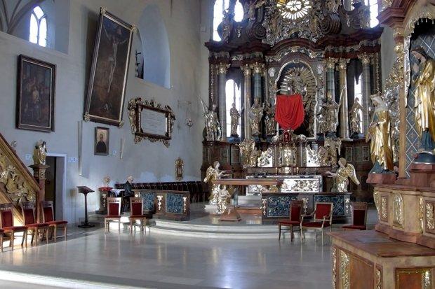 Nie idź do kościoła, zostań w domu. Obejrzyj mszę z Bazyliki