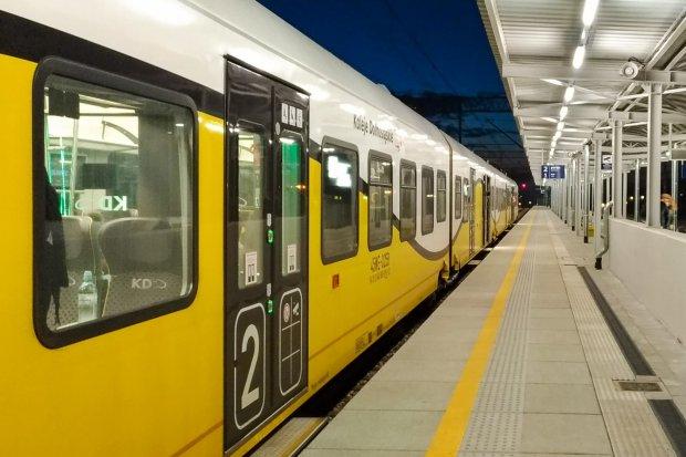 Coraz mniej pociągów do i z Bolesławca. Mamy wykaz zmian, które wchodzą w niedzielę