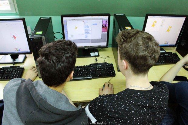 Powiat: będą komputery dla uczniów