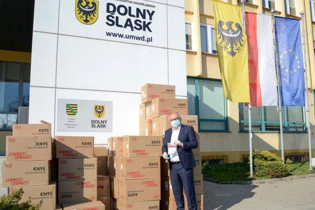 UMWD: 100 tys. maseczek z Saksonii