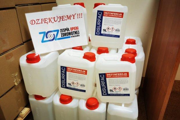 Środki do dezynfekcji, ubrania ochronne oraz pralki i suszarki podarowane szpitalowi