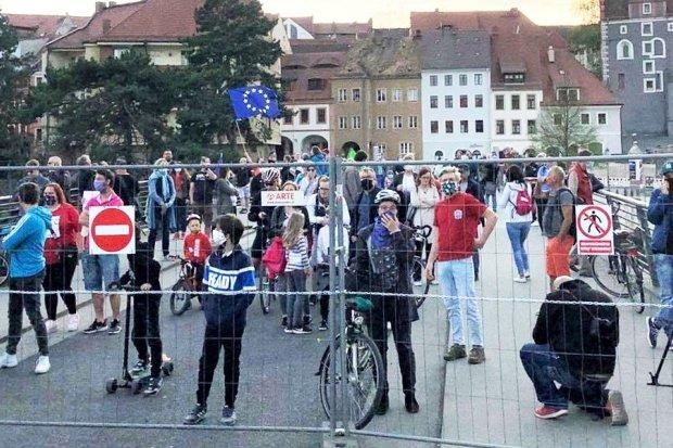 Protest na moście w Zgorzelcu. Zamknięte granice. Pracownicy mają dość