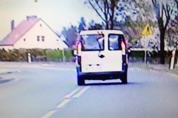 Policja: 46-latek miał ponad 3 promile i jechał po całej szerokości jezdni
