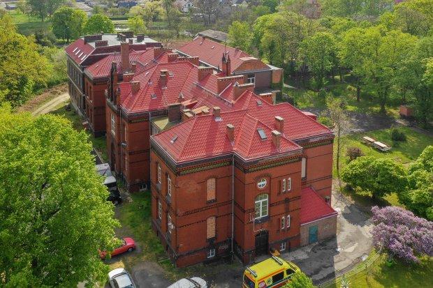 Rośnie liczba zakażonych w ognisku koronawirusa w Chojnowie