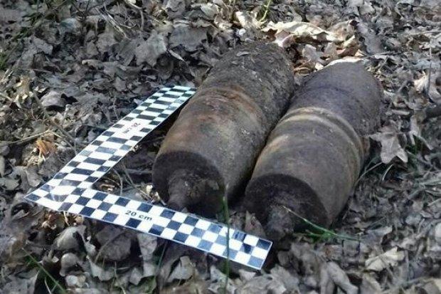 Pociski artyleryjskie znaleziono w lesie