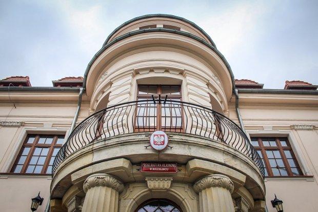 Trwa proces bolesławieckiego nauczyciela oskarżonego o molestowanie uczennicy