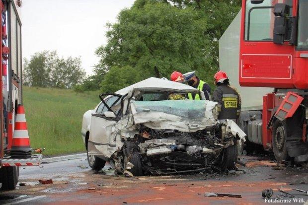 Śmiertelny wypadek w Tomaszowie. 22-letni żołnierz zginął na miejscu
