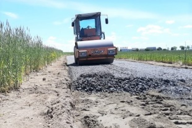 Budują drogę w Osłej