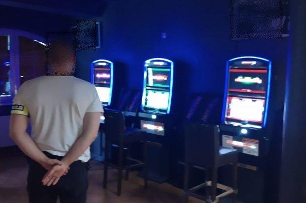 Zlikwidowali kolejny nielegalny salon hazardu. Straty skarbu państwa: 300 tys. zł