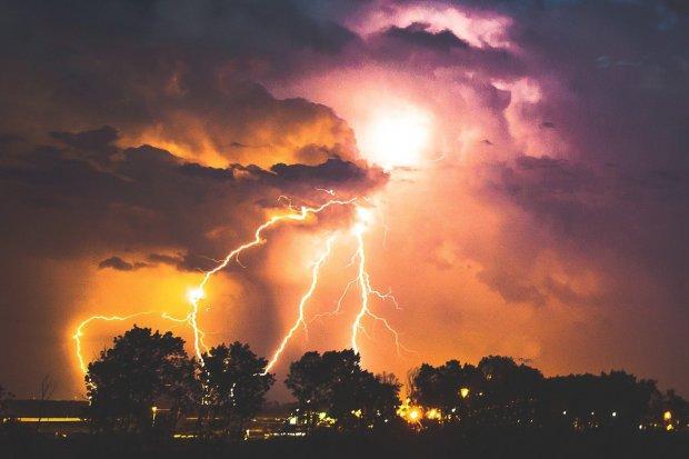Meteorolodzy: dziś burze z gradem