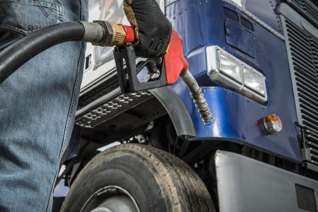 Dlaczego warto wprowadzić kontrolę paliwa poprzez monitoring GPS?