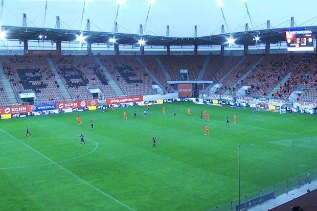 Zagłębie vs ŁKS. Policja zabezpieczała pierwszy mecz w Polsce po otwarciu trybun