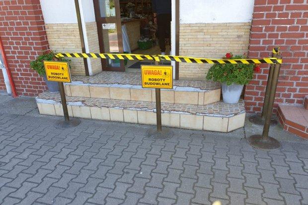 Ciąg dalszy konfliktu ceramików – po rozbitych schodach blokada. Finał w sądzie