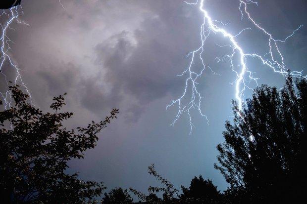 Uwaga, silny deszcz z burzami