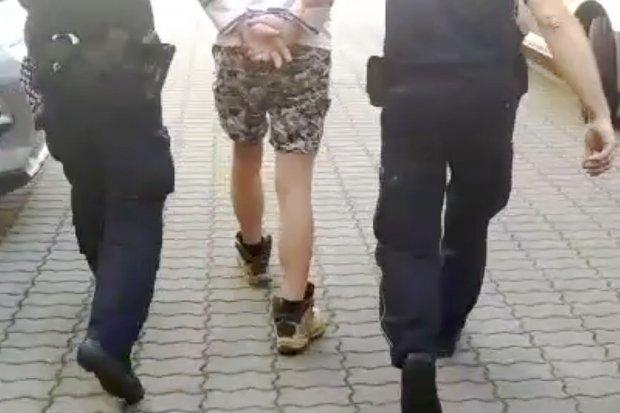 Dźgnął kobietę nożem w brzuch, poszło o pieniądze. 33-latek aresztowany