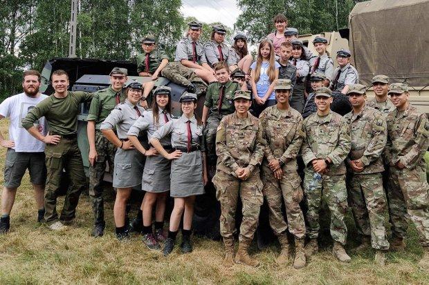 Żołnierze US Army u bolesławieckich harcerzy